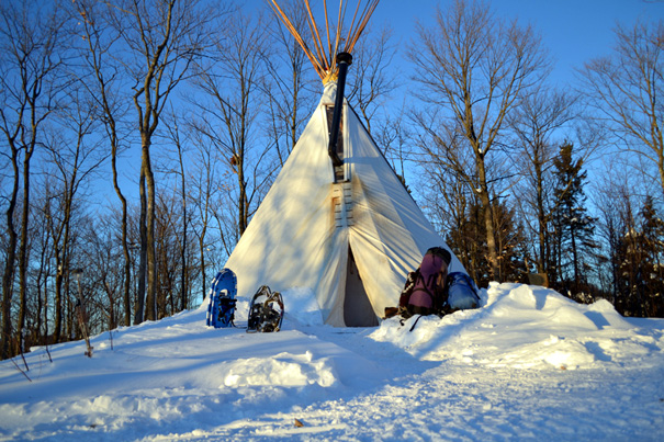 nuit en tipi de luxe, camping d'hiver, glamping